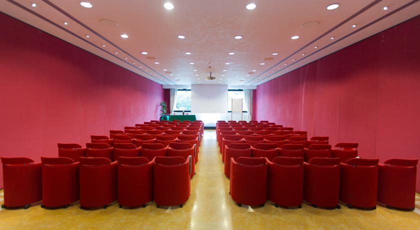 sala meeting nell'hotel a 4 stelle di Pomezia