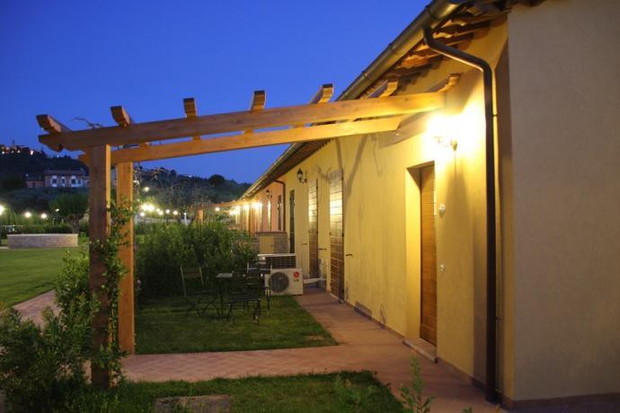 Veranda esterno ristorante, agriturismo nelle Marche