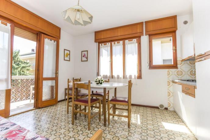 Appartamenti 4/5/10 persone con Balcone Lignano Sabbiadoro