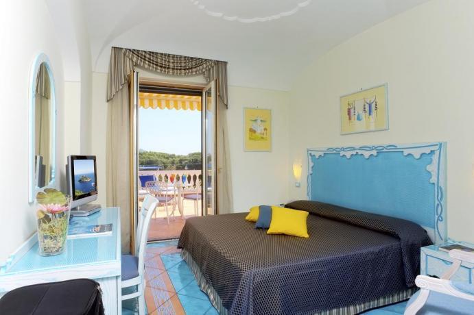 Camera Superior con balcone Hotel Ischia porto