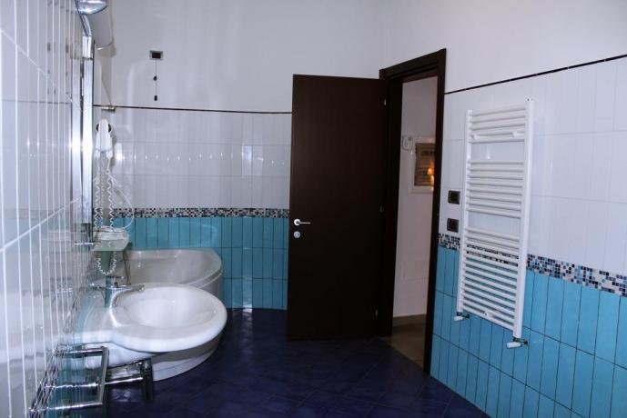 Camera con bagno privato- Hotel a Polla