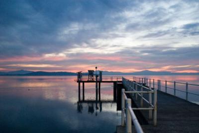 Il suggestivo tramonto che offre il Lago Trasimeno