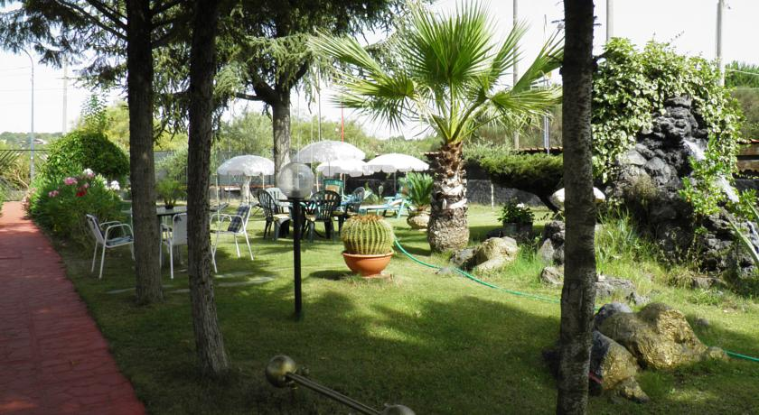 Relax in Giardino in Villa ai piedi dell'Etna