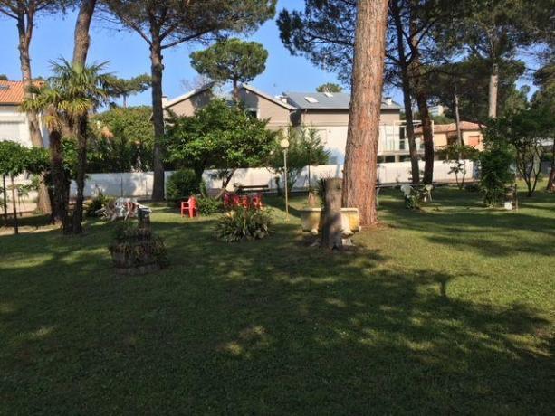 Enorme parco verde Hotel a Milano Marittima