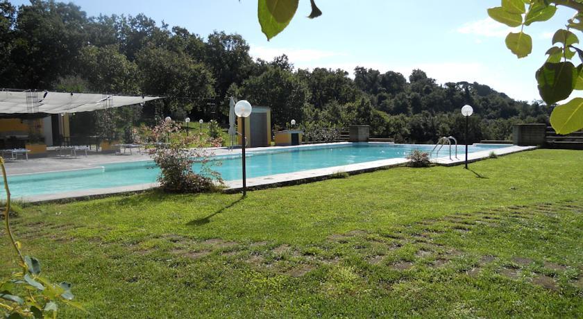 Agriturismo con piscina a fiumicino roma camere ed - Agriturismo napoli con piscina ...