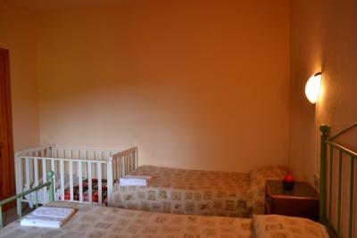 Camera Tripla e Lettino Appartamento Rosetta