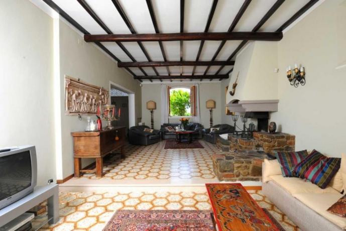 Villa-Vacanza con Ampio soggiorno con Camino