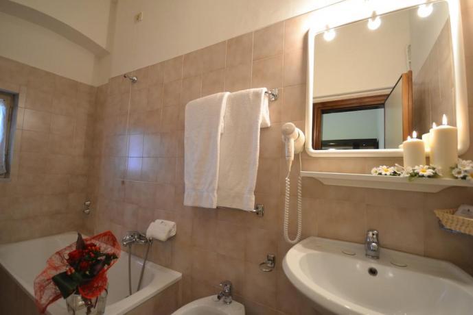 Hotel3stelle bagno privato asciugamani set-cortesia Assisi