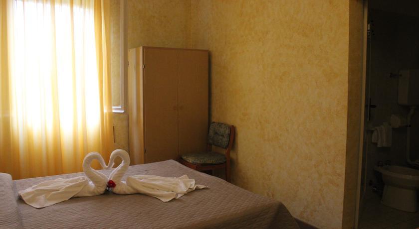 Hotel fronte Spiaggia a Rimini Camere familiari