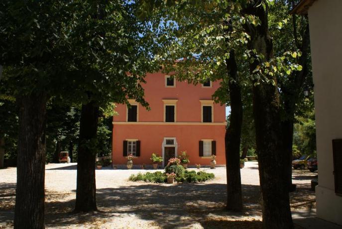 Villa vicino Perugia con ampio cortile
