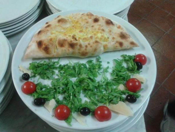 agriturismo con ristorante pizzeria, roma