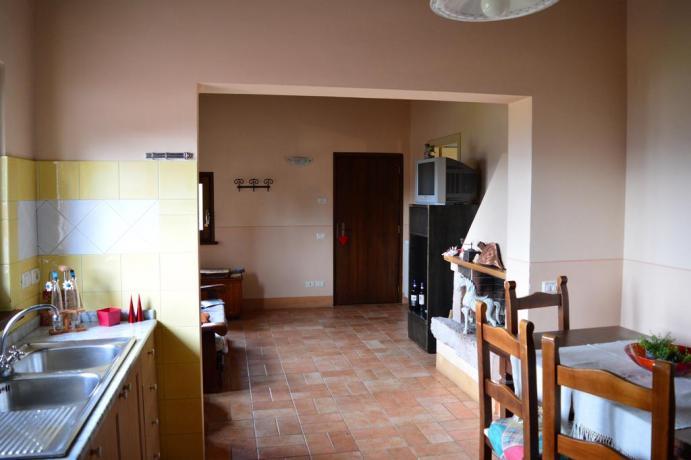 Salone con uso cucina, appartamento vacanza Umbria