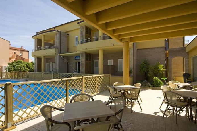 Hotel a Numana Residence con piscina