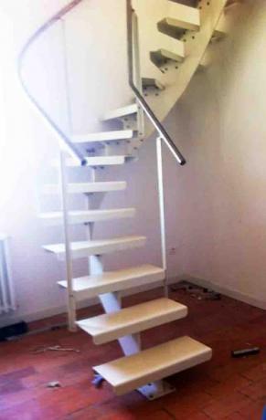 scala in ferro verniciato