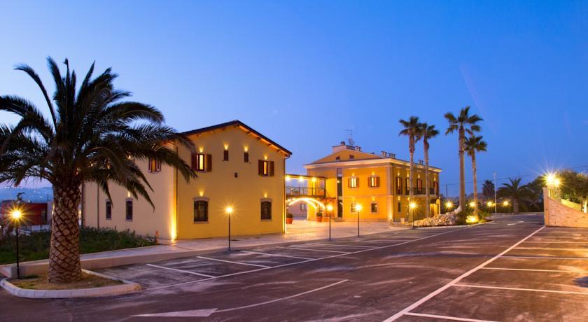 Camere Ristorante Piscina vicino al Mare Abruzzo