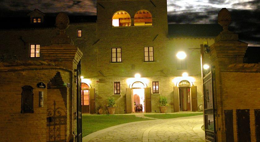 Villa di campagna in notturna