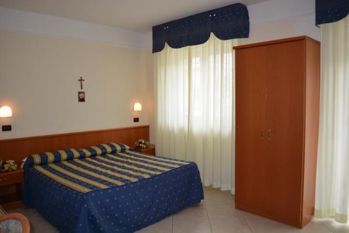 Ampie camere con servizi vicino Padre Pio