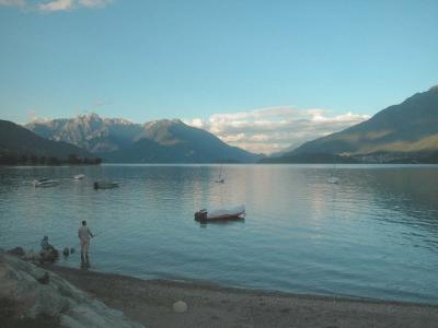 Vacanze in lombardia vicino al lago di como hotel b b for Lago vicino milano