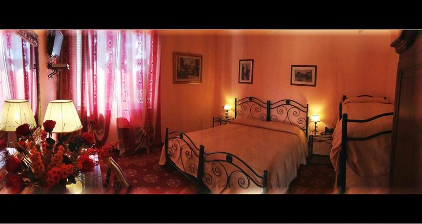 Camera quadrupla letto-a-castello hotel3stelle Anzio