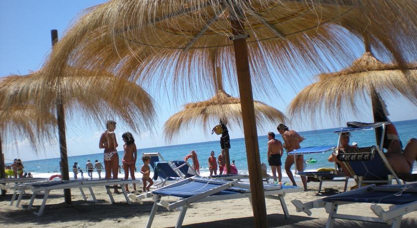 Villaggio sulle spiagge del Mingardo