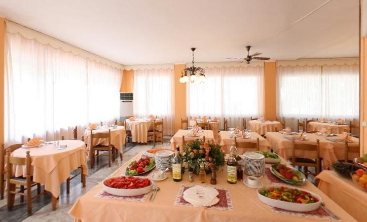 Ristorante interno hotel vicino Savona