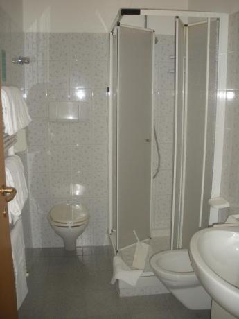 Appartamento con bagno e doccia a Silvi Marina