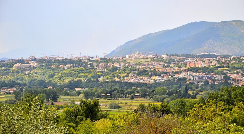 Ceramanico Terme a 49 km
