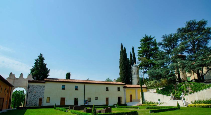 Suite vicino Lago di Garda con Ristorante Giardino