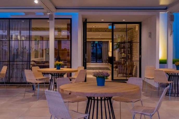Vacanze a Baia-Domizia in hotel 4stelle fronte mare