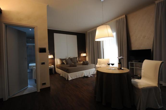 Spaziosa camera con bagno interno Hotel Viterbo