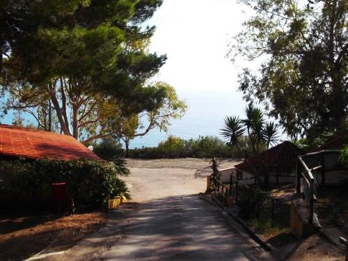 bungalow con vista mare vicino alla stazione