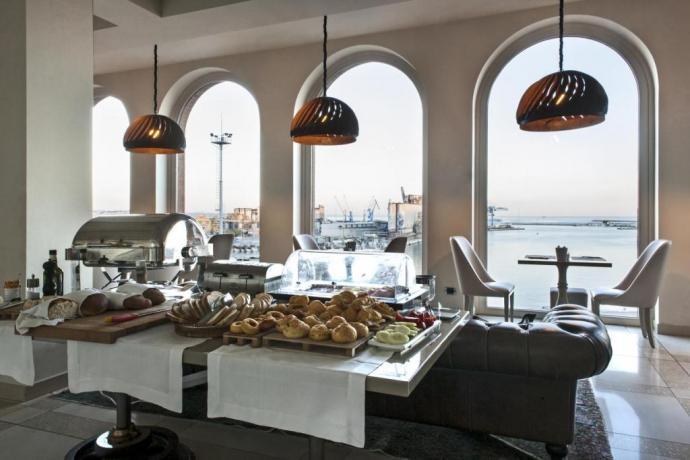 Colazione a Buffet al Ristorante Hotel Ancona