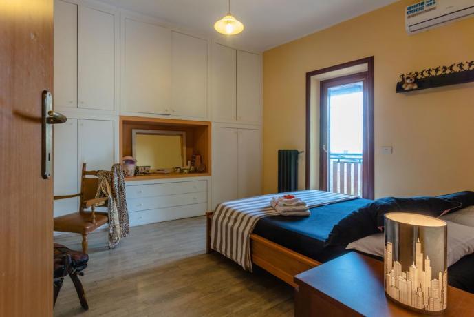 Camera matrimoniale in casale a Rieti