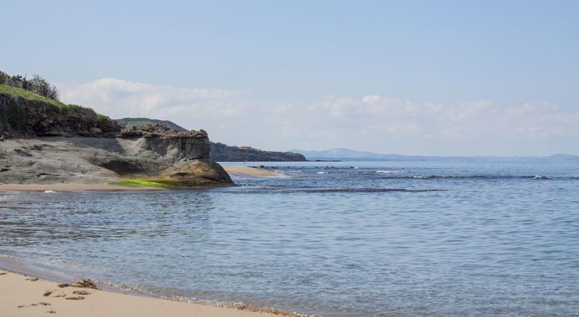 Hotel piscina ristorante vicino Spiaggia Privata Castelsardo