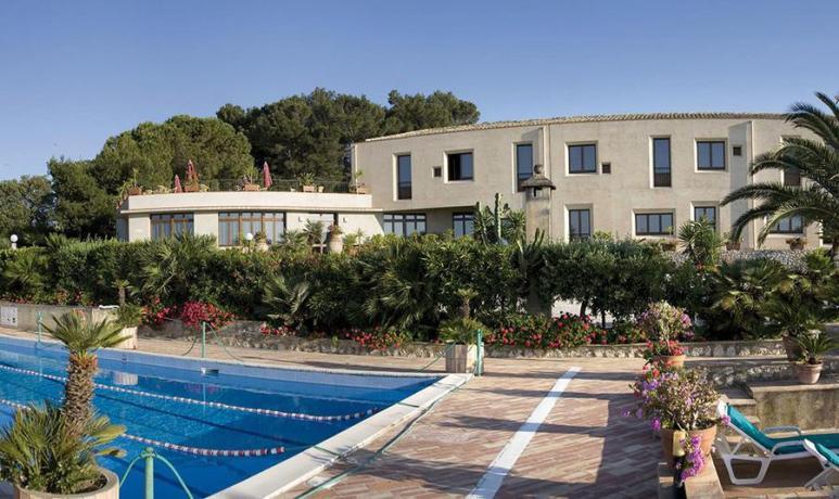 Hotel vicino San-Vito-Lo-Capo con Solarium
