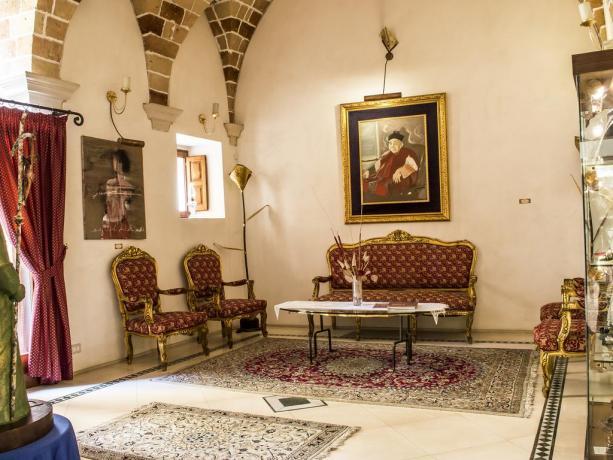 Hotel 4 stelle con arredo elegante in Puglia