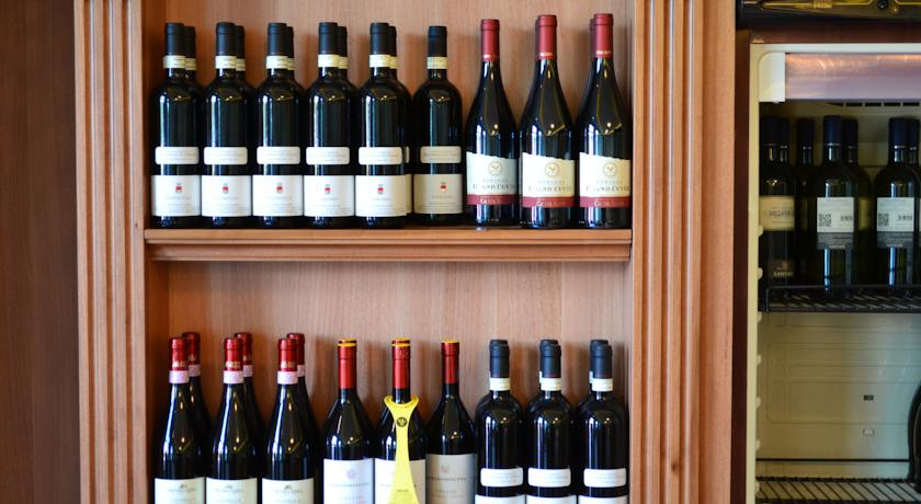 Ristorante con ampia scelta di vini