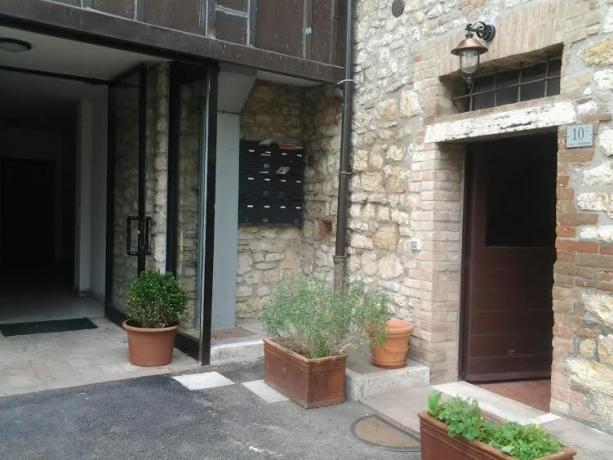 Ingresso indipendente degli Appartamenti Residence Business Apartment
