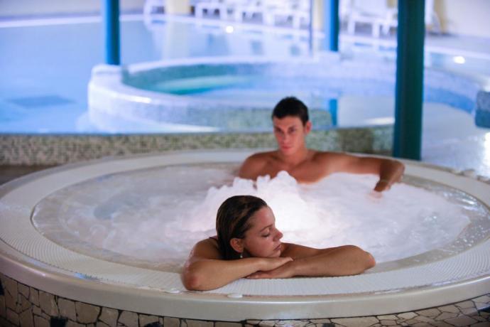 Week end a Lavarone hotel3stelle con vasche idromassaggio