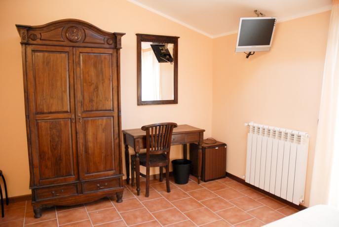 Armadio in camera hotel vicino Roccaraso ad Alfedena