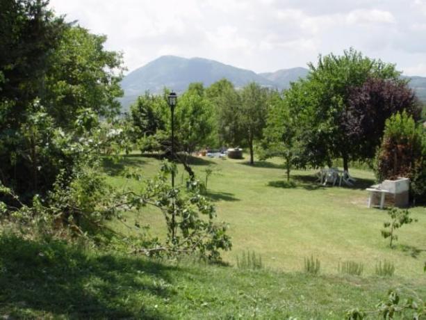 Agriturismo con grande giardino e barbecue a Umbertide