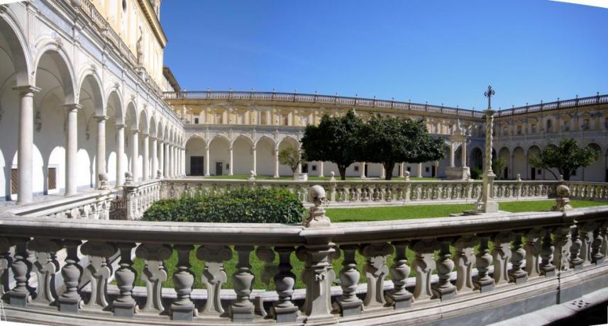 Offerta-a-Natale-e visita guidata del museo di Certosa-di-San-Martino