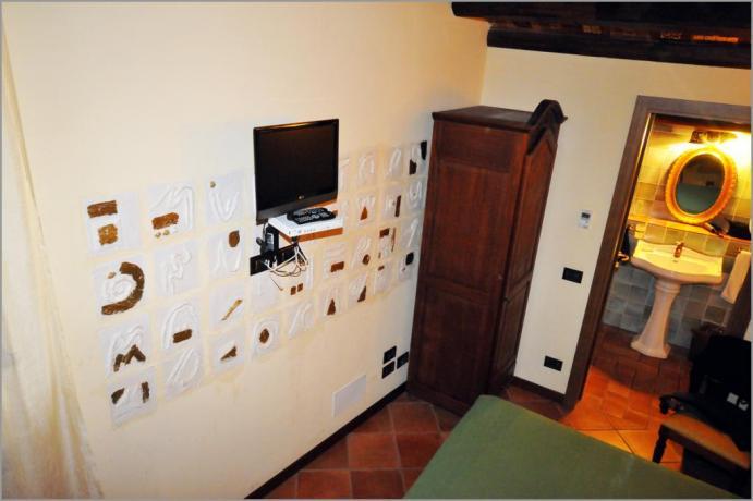 """Hotel Alcamo, camera 301 """"Stanza degli Anagrammi"""""""