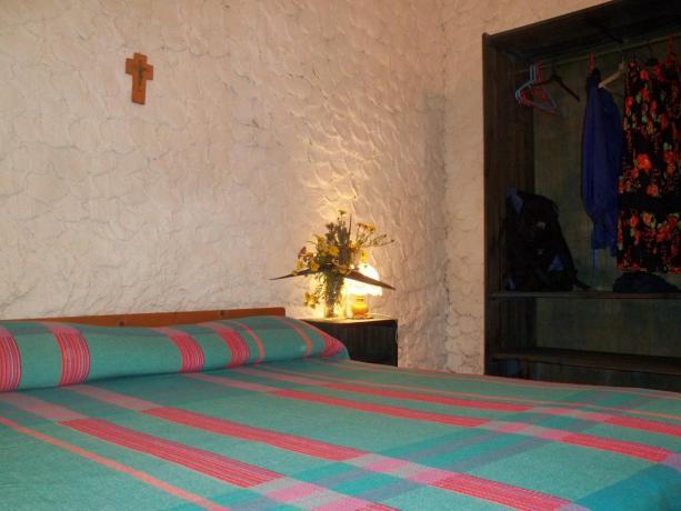 Romantica camera matrimoniale in Villaggio Lampedusa
