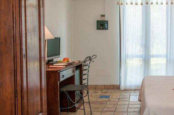 TV in camera del Resort vicino Ragusa