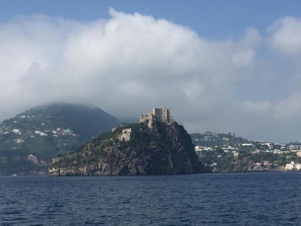 Veduta Castello Aragonese ad Ischia
