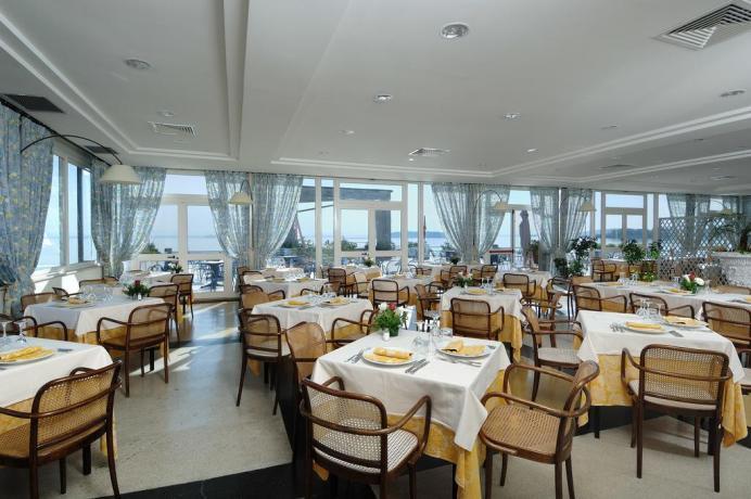 Ristorante interno molto ampio Hotel del Lago