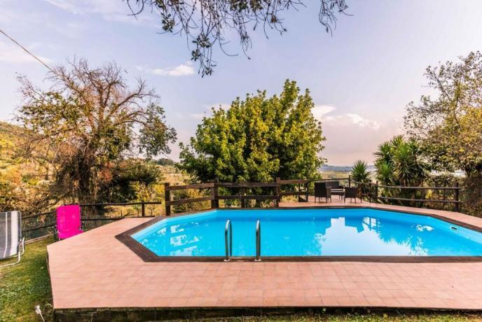 appartamenti con Stupenda piscina a Rieti