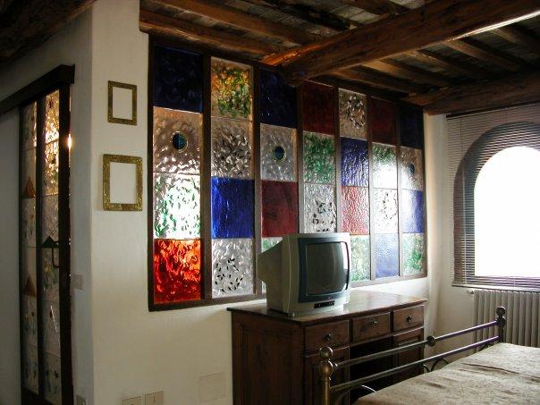 Parete vetro murano suite Fienile relais Calenzano