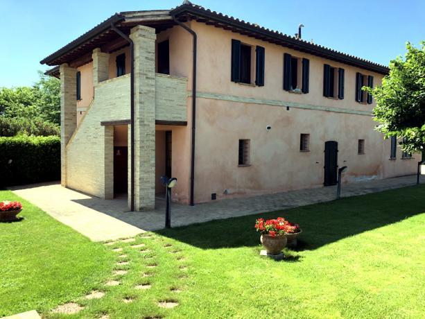 Appartamenti vacanza a Spello, vicino Assisi, Vacanza in Umbria a basso costo in appartamento di qualità